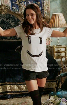 eleanors-smiley-face-zipper-tee